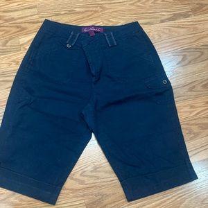 Vintage Gloria Vanderbilt navy shorts size 8.